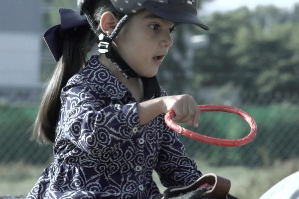 Mejoramos la calidad de vida de personas con discapacidad y necesidades especiales a través de actividades con caballos